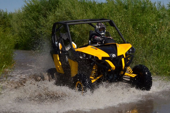 2013 Can-Am Maverick 1000 X rs Action Water