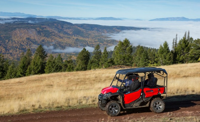 2016 Honda Pioneer 1000 Action Left