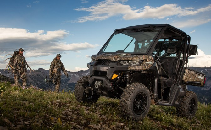 2016 Can-Am Defender XT Cab Hunting