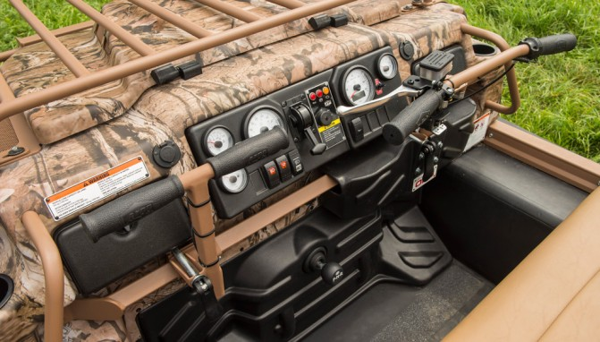 2016 Argo Outfitter 8x8 Cockpit