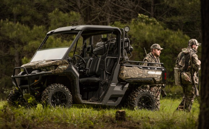 2017 Can-Am Defender Mossy Oak Action Hunters