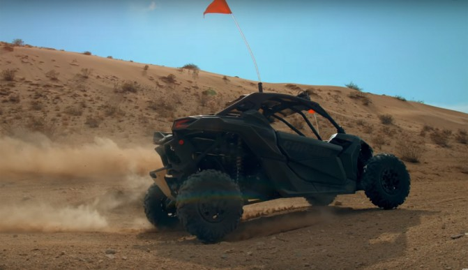 2017 Can-Am Maverick X3 X DS Action Right