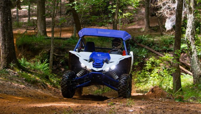 2017 Yamaha YXZ1000R SS Action Front