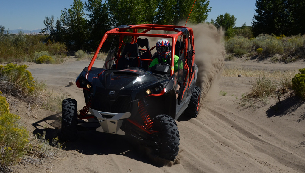 2016 Can-Am Maverick MAX Turbo Cornering