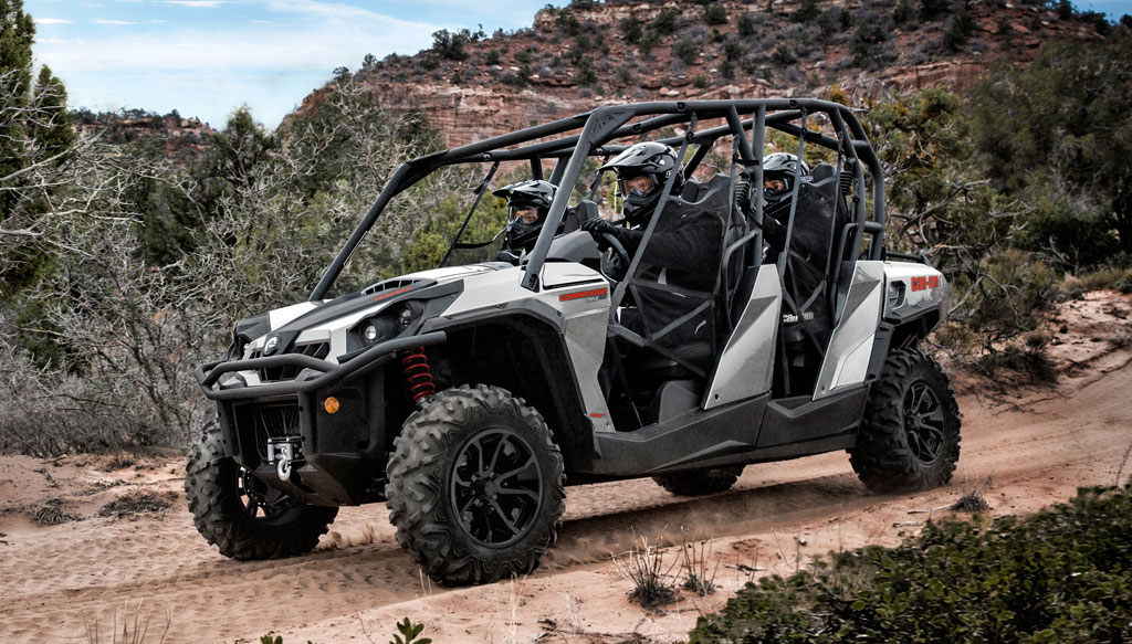 2017 Can-Am Commander MAX XT Action