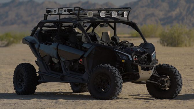 2017 Can-Am Maverick X3 MAX Front Right
