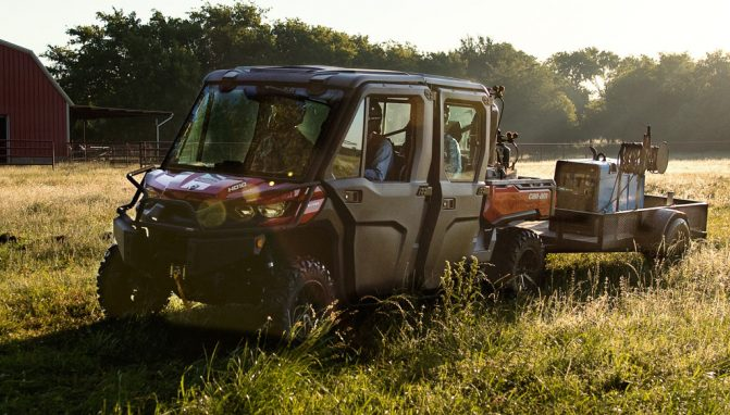 2018 Can-Am Defender MAX XT Cab Working