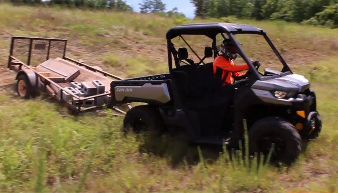 2017 Can-Am Defender HD10 XT Towing