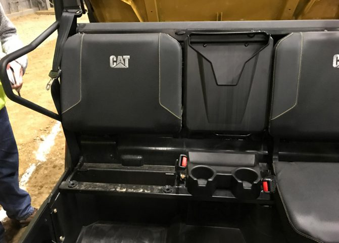 Caterpillar CUV82 Seating