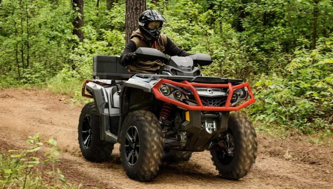2019 Can-Am Outlander 1000R XT Action