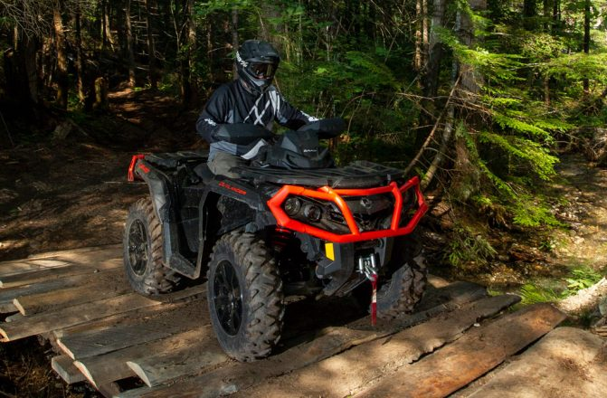 2019 Can-Am Outlander 1000R XT Bridge
