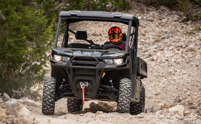 2020 Can-Am Defender PRO 02