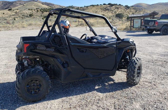 2020 Can-Am Maverick Trail 1000 Turning