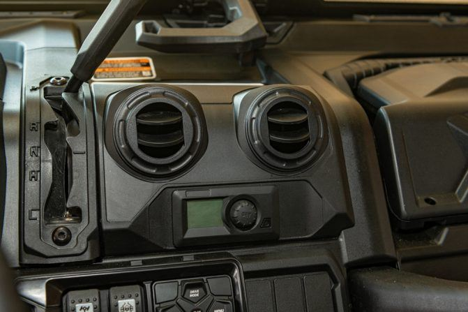 2020 Can-Am Defender Limited Dash