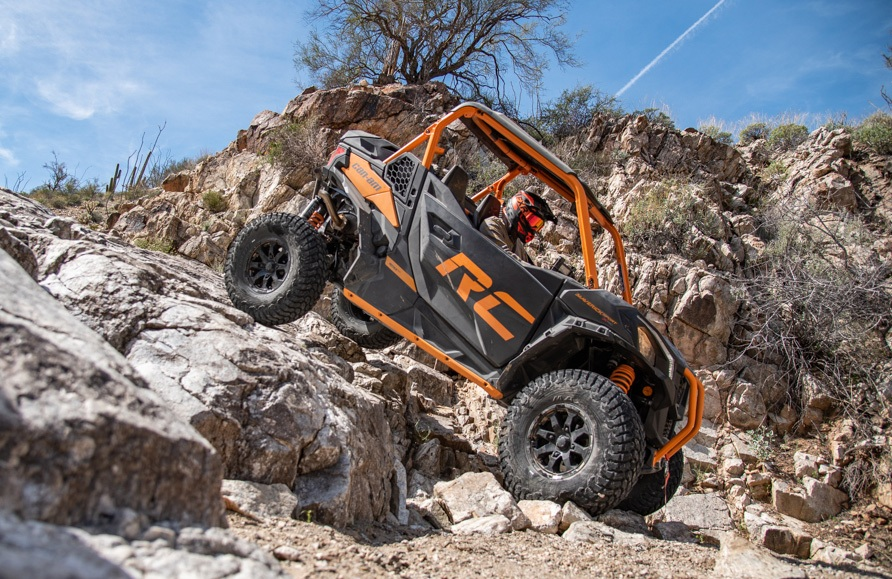 2020 Can-Am Maverick Sport X RC Rocks 3