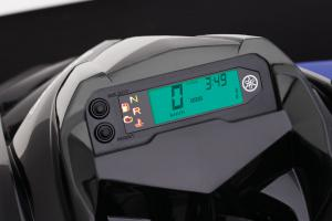 The 2009 Raptor 700 is the first sport quad to come standard with a fully functional, digital gauge which includes a  speedo, warning lights, gear selection indicator, mileage and even a clock.