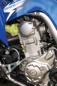 Yamaha's smooth and powerful 686cc, fuel injected engine provides the Raptor with ample torque.
