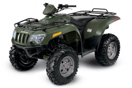 The brand new 450 H1 features a new Arctic Cat-built engine.