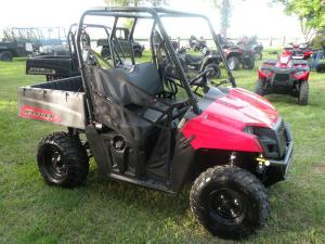 After having big success with the Ranger 400 last year, Polaris has moved the fuel-injected Ranger 500 to the same mid-size chassis for 2011.