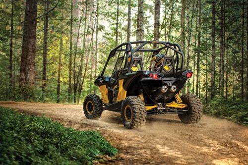 2013 Can-Am Maverick 1000R Action 01