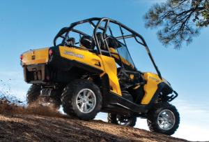 2013 Can-Am Commander 1000 XT Action Right