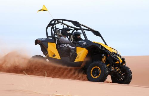 2014 Can-Am Maverick 1000R X rs DPS Action