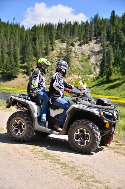 2013 Can-Am Outlander MAX 1000 LTD Action Right Side