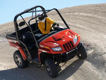 Impressive straight ahead acceleration marks the 2009 Prowler 1000 XTZ.