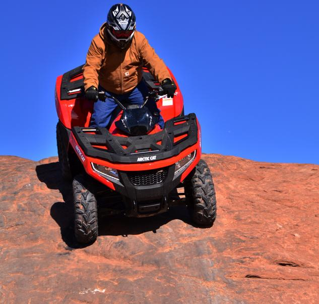 2015 Arctic Cat XR ATV Action Descent