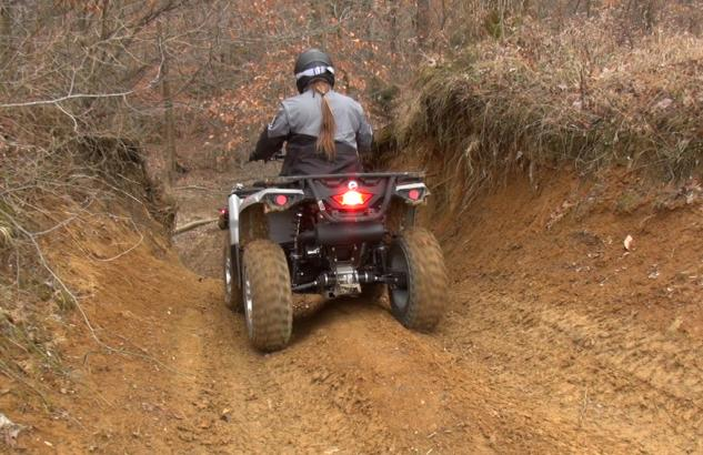 2015 Can-Am Outlander L 500 Action Downhill