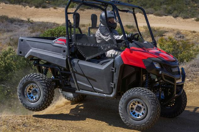 Honda Pioneer 700 Action Right