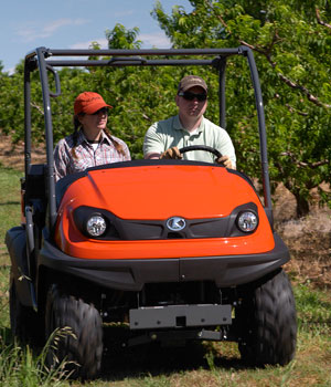 2012 Kubota RTV400Ci Action