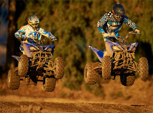 Yamaha Raptor 250 Duo Jumping