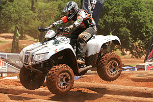 Jesse West rides to victory on his new 700 H1 4x4.